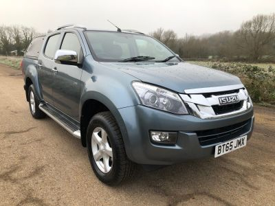 Isuzu D-max 2.5T Utah Auto Pickup Diesel Grey at Oliver Landpower Ltd Kings Langley